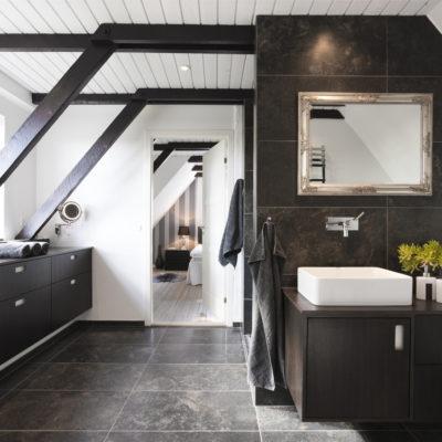 Pintar el suelo del baño: una solución eficiente y barata